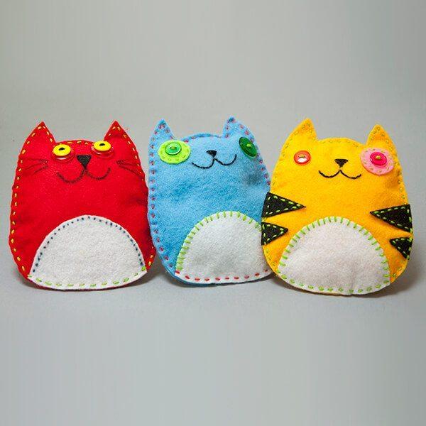 Sy figurer af hobbyfilt – Katter