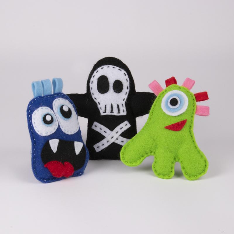 Sy knasiga monster av filt – ett roligt pysseltips för barn!