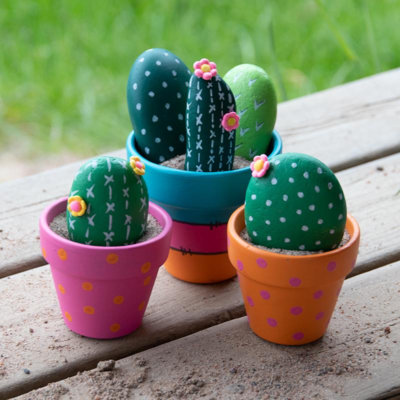 DIY – Måla stenar som kaktusar