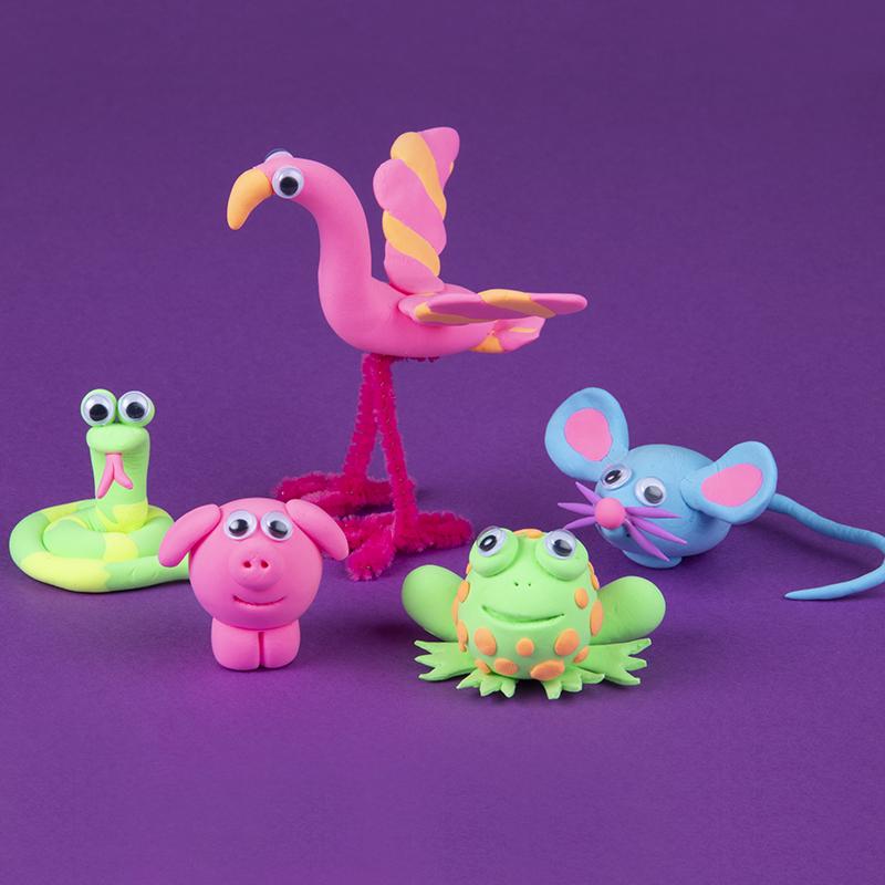 Basteln mit Knete. Erschaffe verschiedene, lustige Tiere.