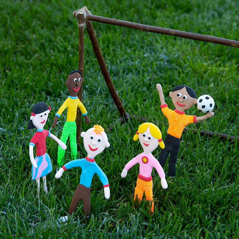 Figuren aus Knete und Bonsaidraht Bastelspaß für Kinder
