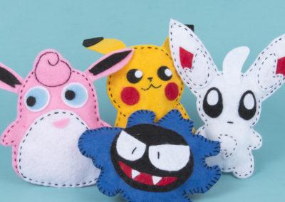 Pokémonfiguren naaien van vilt