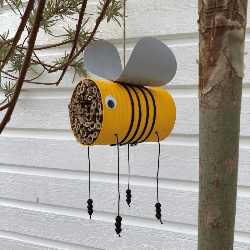 insektshotell av aluminiumsboks sommerhobby for barn
