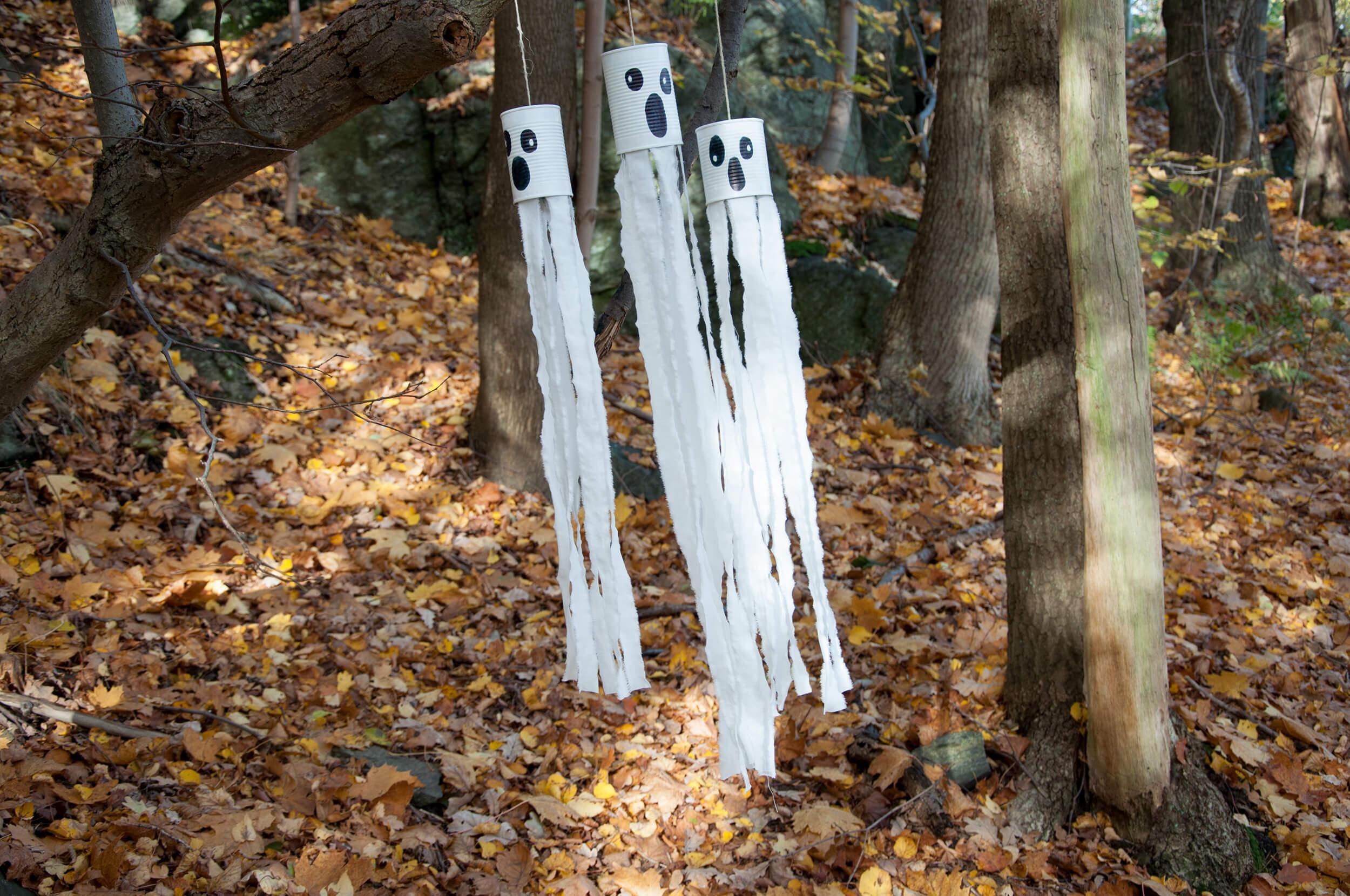 Halloweenbastelei Gespenster aus Konservendosen