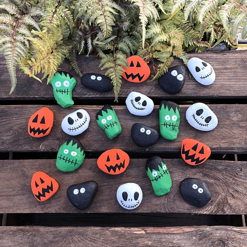 halloweenpyssel för barn måla stenar