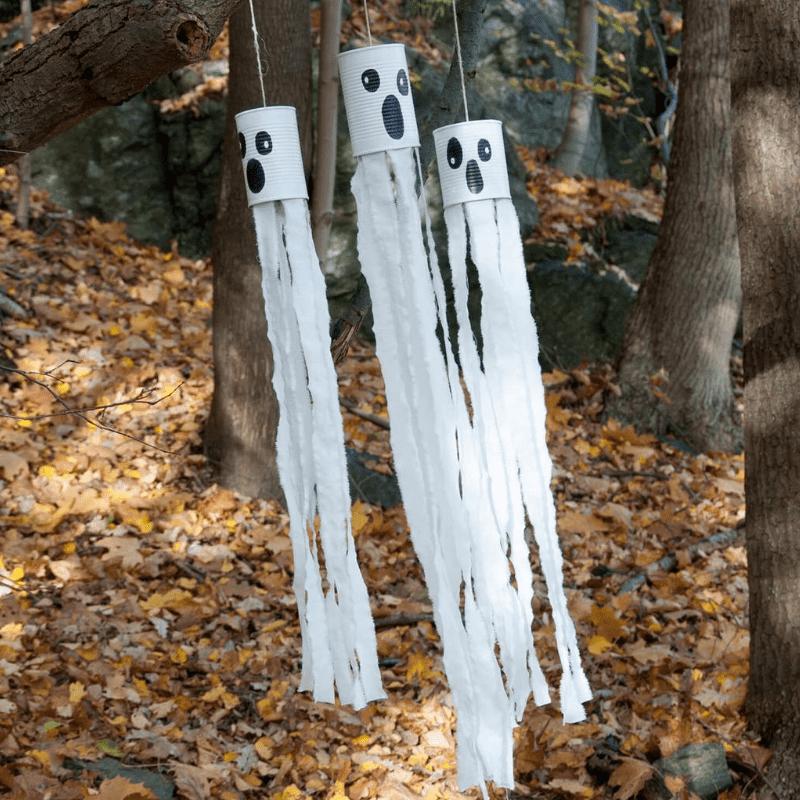 knutselen voor Halloween spoken van conservenblikken