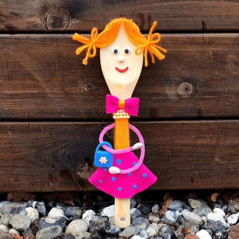 Pysselideér för barn dockor av träbestick