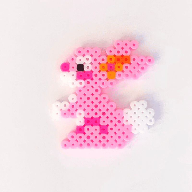 Rosa kanin av rörpärlor
