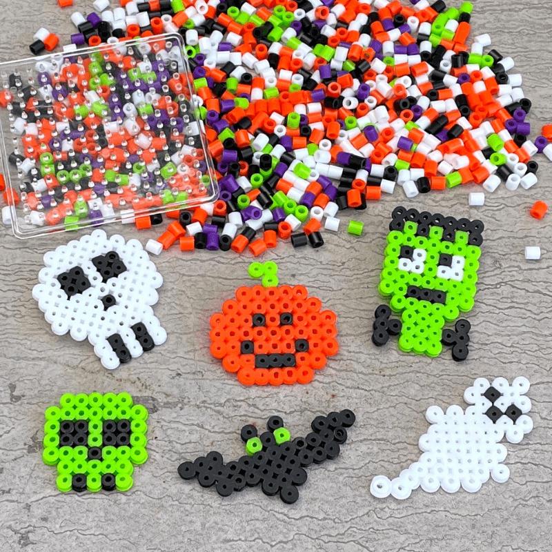 halloweenpyssel med rörpärlor